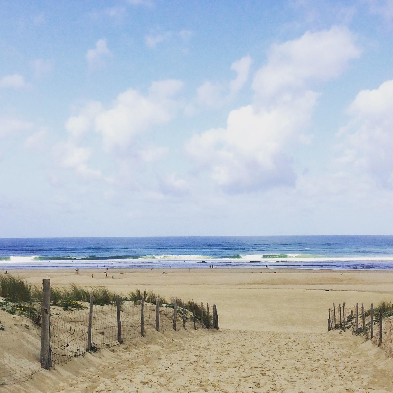 SUP surfing Urlaub an der Atlantikküste Frankreichs